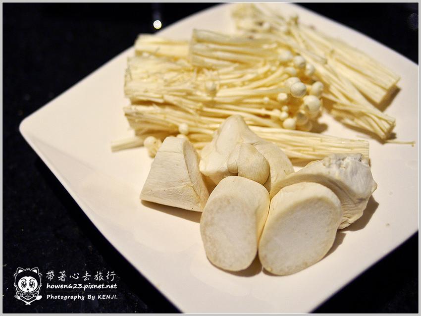 台中-嗆頂級麻辣鴛鴦鍋-017.jpg