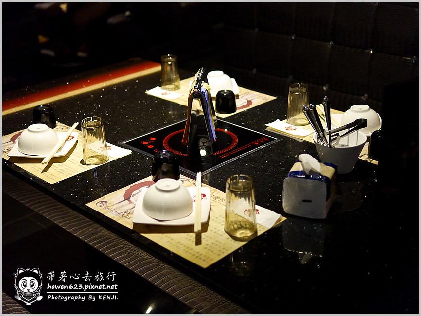 台中-嗆頂級麻辣鴛鴦鍋-030.jpg